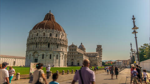 Tourists On Square Of Miracles Visit Leaning Tower stock footage