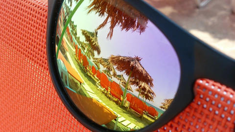 Beach reflection in sunglasses 影片素材