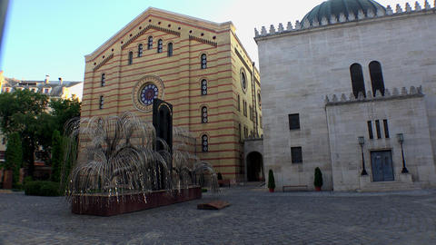 Jewish synagogue in the center of Budapest. 4K Live Action