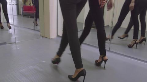 3of 8 Fashion school , people , women , models , girls modeling , runway learnin Footage
