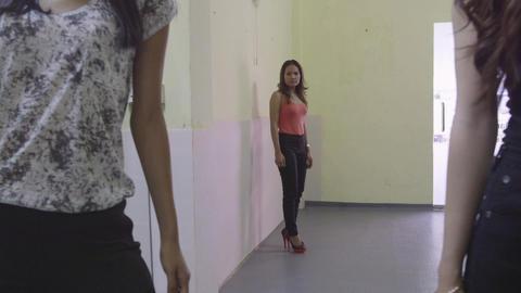 6of 8 Fashion class , teacher , women , models , girls modeling , runway trainin Footage