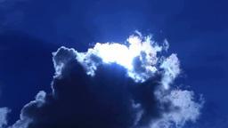 雲から出る太陽の光芒 Footage