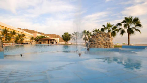 Pool in Emirates 1 Stock Video Footage