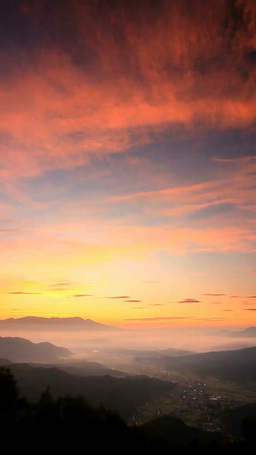 朝焼けと夫神岳と浅間山と子檀嶺岳などの山並み 영상물
