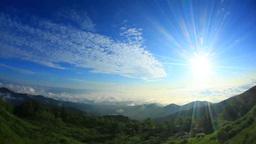 朝日と浅間山方向の山並みと雲海,魚眼レンズ Footage