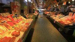 新鮮な魚介類並ぶ函館朝市えきに市場 Footage