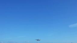 上空を通過する飛行機 Footage