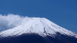 青空と雪の富士山 Footage