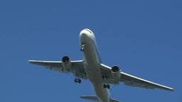 空を飛ぶジェット旅客飛行機 Footage
