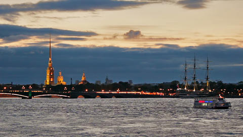 Pleasure boats on Neva River near the fortress ビデオ
