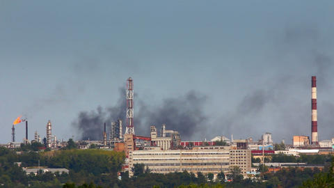black smoke on refinery plant - timelapse Stock Video Footage