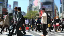 渋谷駅前スクランブル交差点を歩く人々 Footage