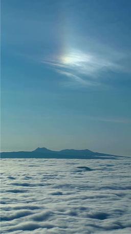 雲海と彩雲 영상물