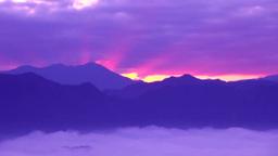 朝焼けの光芒と山並み Footage