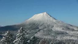 双岳台から望む雄阿寒岳 Footage
