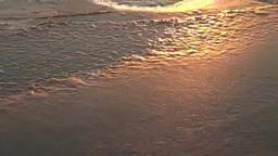 朝日に輝く湖面の氷 Stock Video Footage