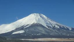 凍る山中湖と富士山 Stock Video Footage