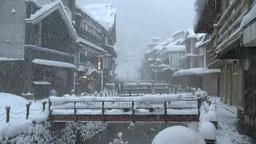 雪降る銀山温泉 Footage