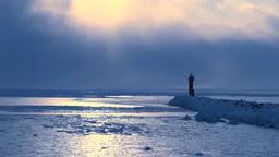 灯台と流氷の海と光芒 Footage