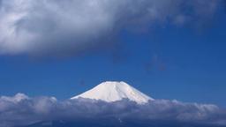 流れる雲と富士山 Stock Video Footage
