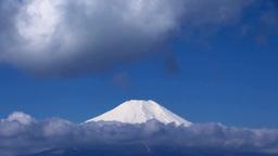 流れる雲と富士山 Footage