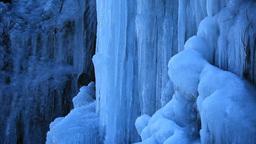 凍る滝のつらら Stock Video Footage