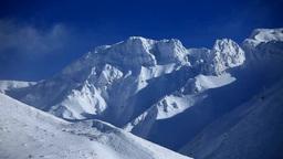 厳冬の上ホロカメットク山 Stock Video Footage