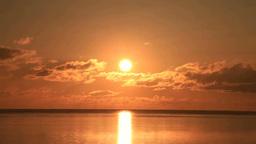 朝焼けの海の日の出 Stock Video Footage