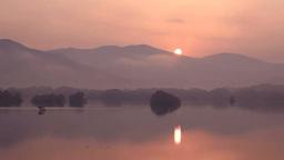 裏磐梯の朝靄の桧原湖 Stock Video Footage