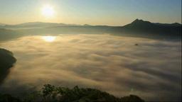 霧の摩周湖の朝 Footage