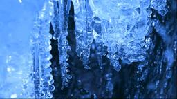 飛沫氷と流れ Stock Video Footage