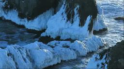 霧多布岬の凍る岩場・湯沸岬 Stock Video Footage