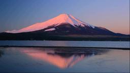 朝焼けの富士山と山中湖 Footage