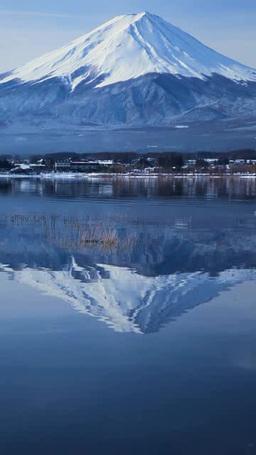 河口湖と雪の富士山 영상물