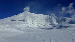 噴煙を上げる旭岳 Footage