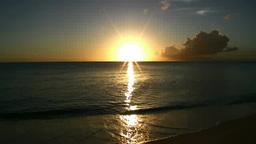 前浜ビーチより望む海に沈む夕日 Footage