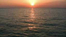 夕日に輝く水面 ズームアウト Footage