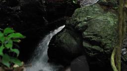 岩場の清流 Footage