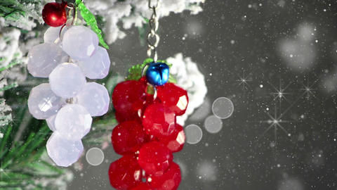 bunch of berries christmas tree decoration close-up loop 4k (4096x2304) Footage