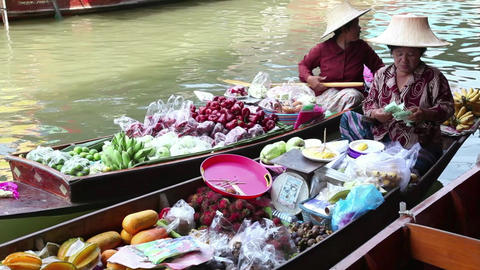 7of 9 Thailand , Southeast Asia , Damnoen Saduak Floating Market near Bangkok Footage