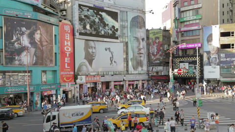 Crowds at ximending shopping area VWS 2 Live影片