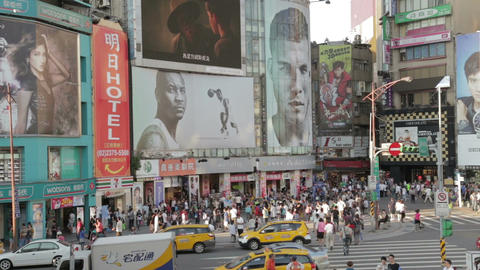Crowds at ximending shopping area VWS 3 Live影片