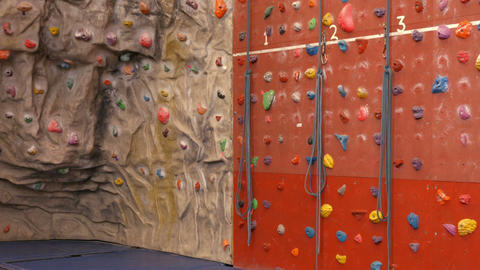 Rock climbing wall ビデオ