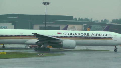Singapore Changi Airport 03 fedex and singapore airlines Stock Video Footage