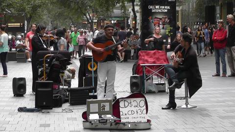 Sydney Pitt Street Musicians Tom Ward 03 GIF 動畫