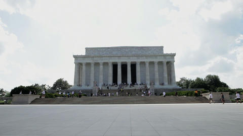 View of the lincoln memorial, camera moves up Stock Video Footage