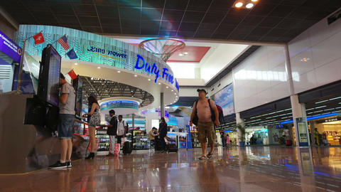 THAILAND, BANGKOK - March 2015: Time lapse people at duty free area and money ex Footage