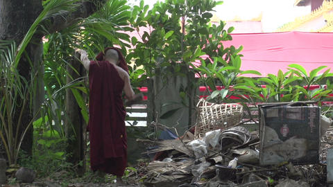 Yangon, monk urges others to have pray Footage