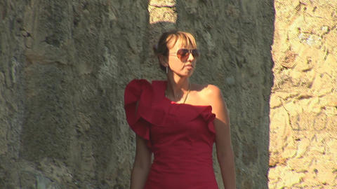 woman in red e Stock Video Footage
