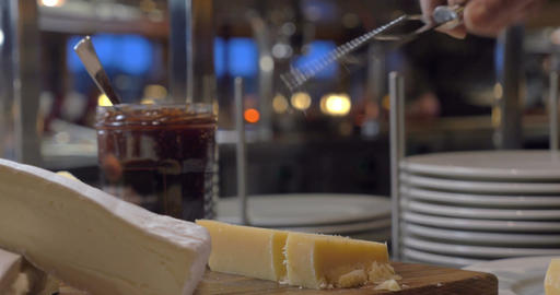 Cutting cheese in the buffet ライブ動画